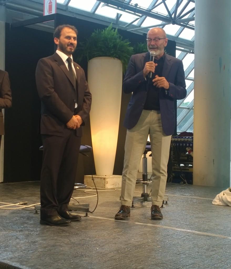 Riccardo Coppola, assessore attività produttive del Comune di Carrara porta i suoi saluti al folto pubblico presente - Carrara 4 ottobre 2015